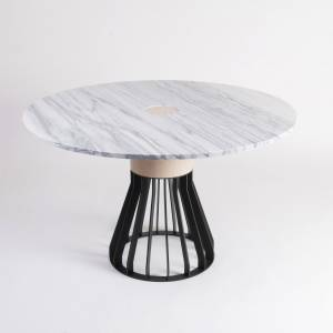 Table Mewoma